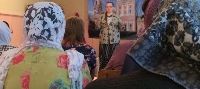 Для прихожан храма в Листвянке прозвучали песни о Великой Отечественной войне и Победе